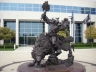 That's a huge statue of Thrall.